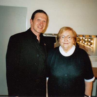 Hermann mit Leni Statz - Garderobengespräch von 2 Ossis